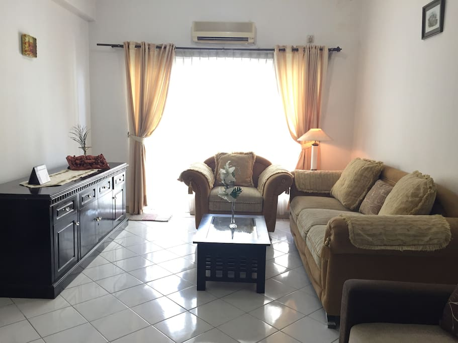 The 65m2 unit space will provide you with homey wide, fresh air, and sun light to enjoy your days staying in healthy environment in this apartment.