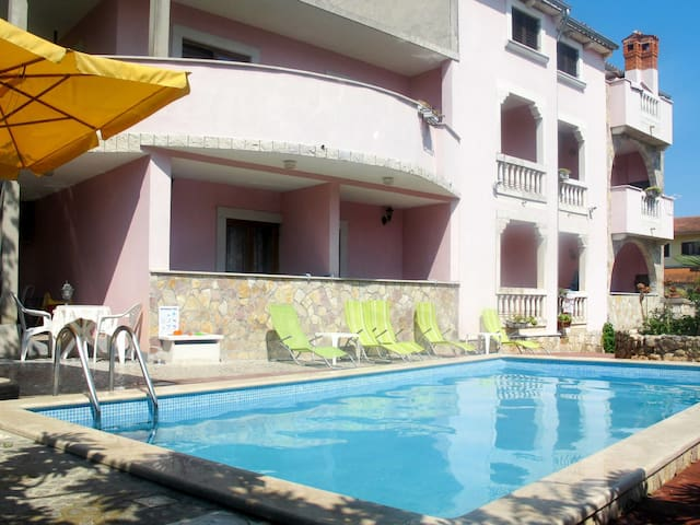 One bedroom holiday apartment in a house with shared pool