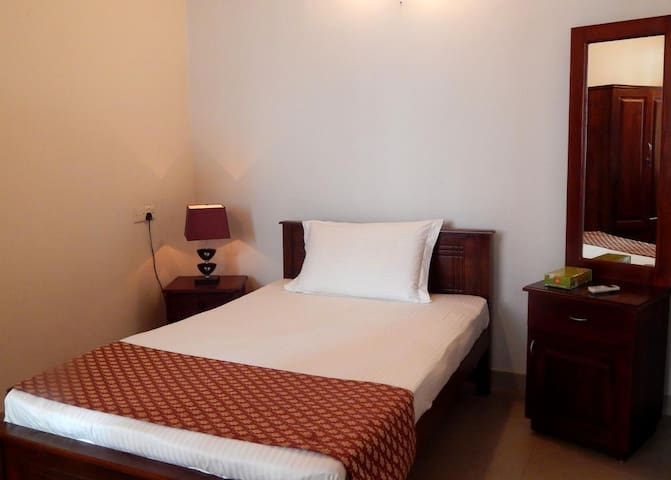 Sri Lanka Familystay Upstairs Single Room - Nelum