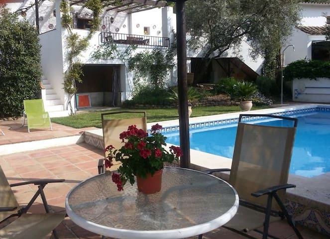 Comfortable Cortijo with Pool - Iznájar - Haus
