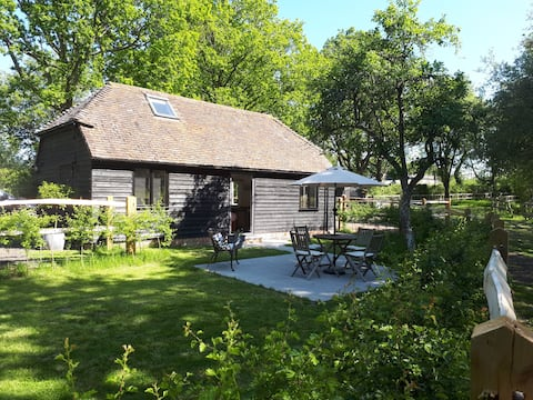 """""""Cosy Open Plan Barn - Secluded Country Location."""""""