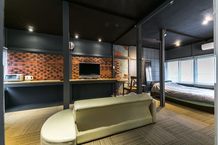 Monthly only! LOFT style apartment.35m2  30泊以上受け入れ
