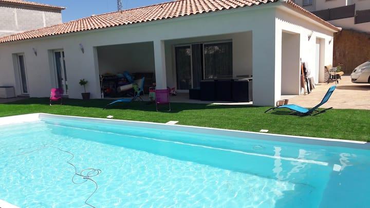 Villa 4 chambres avec piscine chauffée