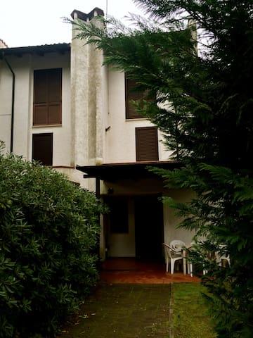 Villetta con giardino centralissima - Lido di Spina - Casa