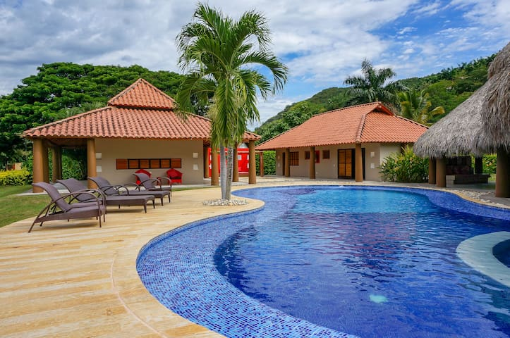Amazing Private Villa at Exclusive Club in Apulo!!