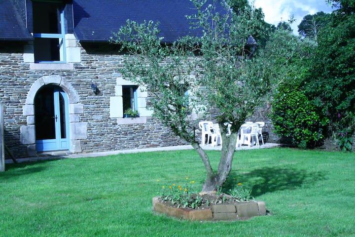 Gîte Le Chêne de Maner Ster - Cléden-Poher - Dům