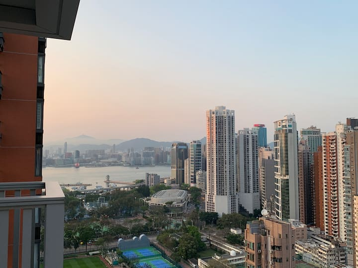 Victoria Harbour, mountain and street view