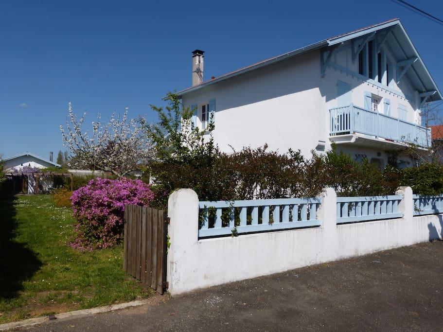 Maison ongi emen st v de tyrosse houses for rent in - Piscine saint vincent de tyrosse ...