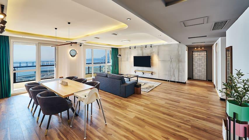 独立180平3室2卫 支持6人入住 封闭小区 180°海景 大连 星海广场 星海公园 圣亚海洋世界旁