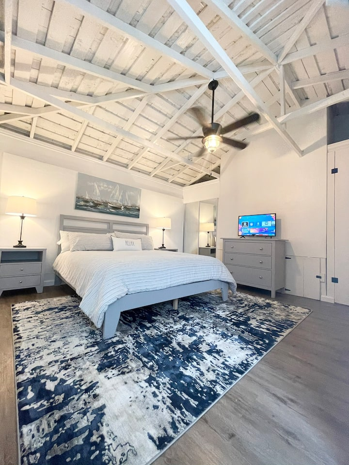 Central, Private & Stylish Guest House