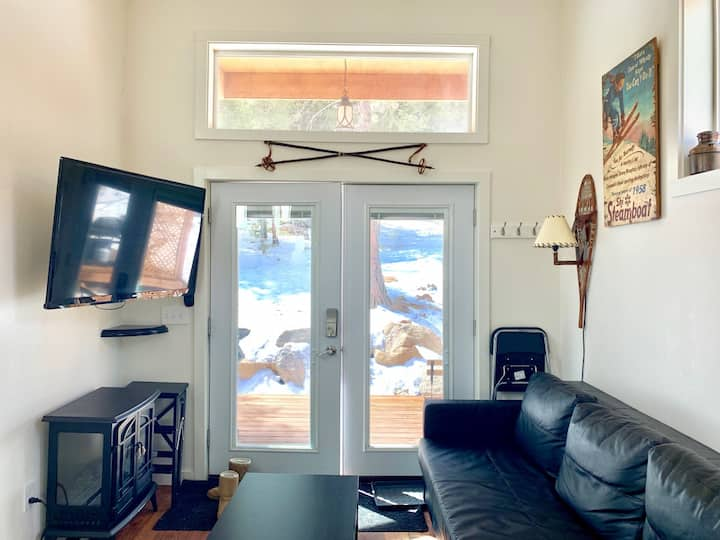 """""""Skiers"""" Tiny Home Cabin in Rocky Mountains"""