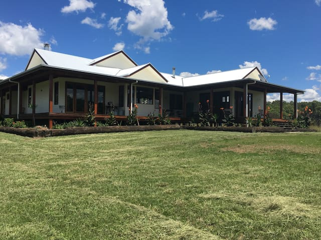 Tooloom Homestead - High Country Escape.