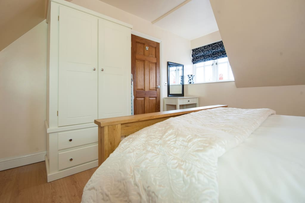 Double Bedroom with Wardrobes, Drawers and Bed Side Drawer Units, Hairdryer