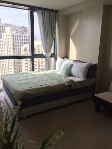 Cozy & Chic studio unit at One Eastwood with WiFi