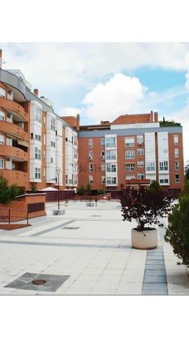 Ambiente Familiar, Cómodo y Tranquilo en Madrid