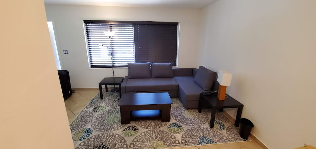 Entire Apartment . Sweet Home . Port Everglades