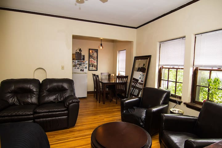 Studio Apartment in the Heart of Downtown Lincoln