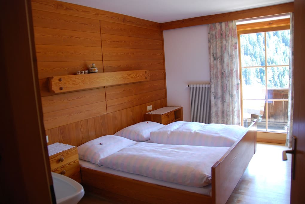 bett und fr hst ck pernottamento e colazione in affitto a berg tirol austria. Black Bedroom Furniture Sets. Home Design Ideas