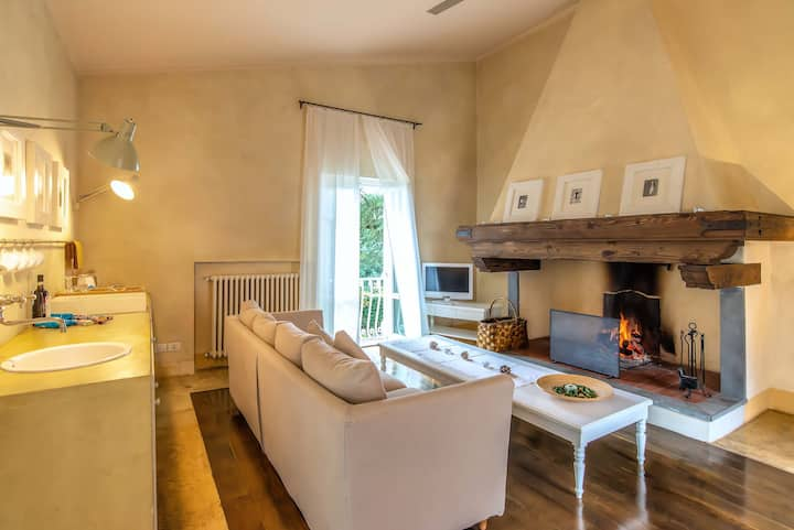 Apartment Fireplace Villa Cassia with breakfast
