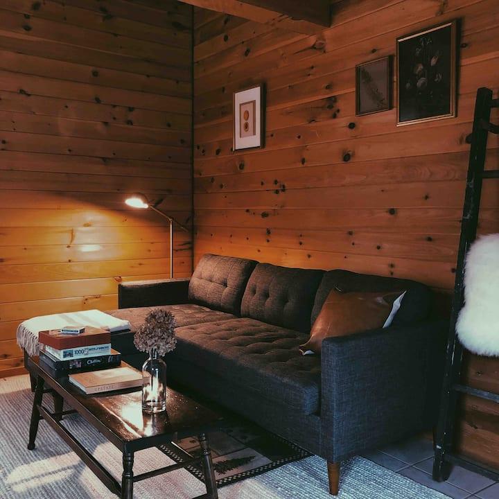 Cozy Cabin Getaway in the Hudson Valley