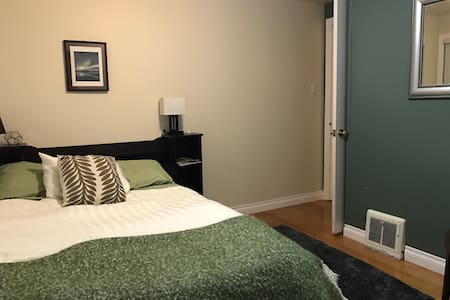 Cozy, centrally located room - Whitehorse - Hus