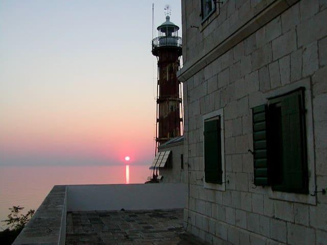 Lighthouse Tajer - Tisno - Byt