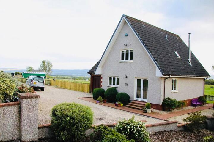Rural Location. NC500 5 mins, Inverness 20 mins