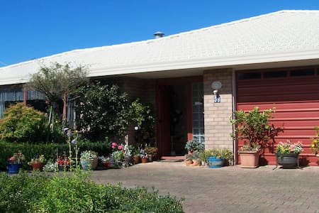 Westwind B&B - Waihi - Bed & Breakfast