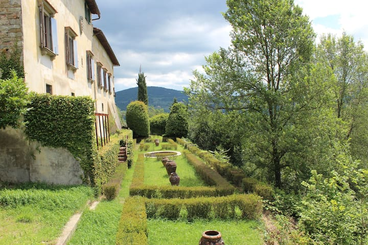 Florentine villa among olive trees 7mn from center - ฟลอเรนซ์ - วิลล่า