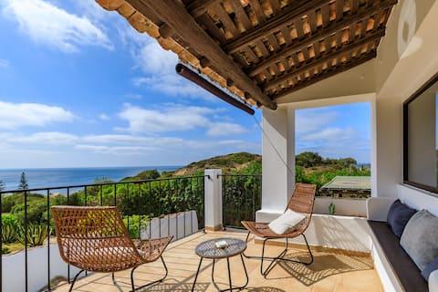 "Monte da Luz - a family house - ""Casa do Mar"""