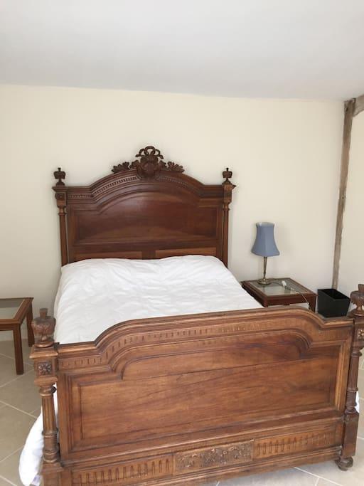 Orangerie bedroom