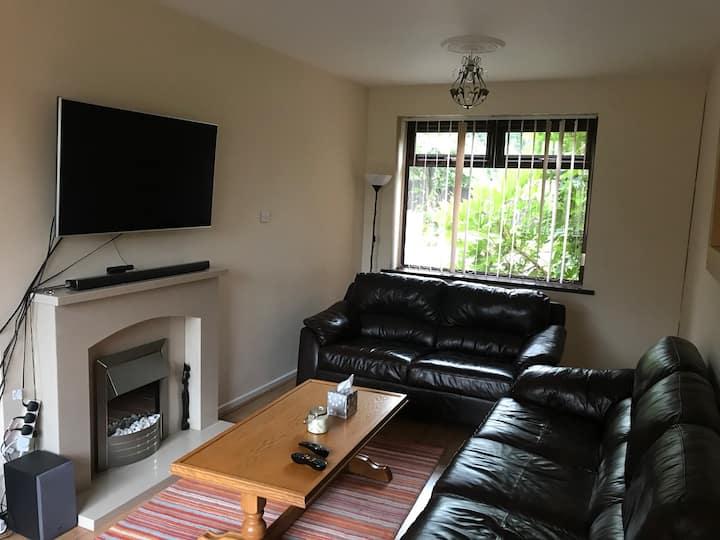 Cozy Room in comfy Wigan House I