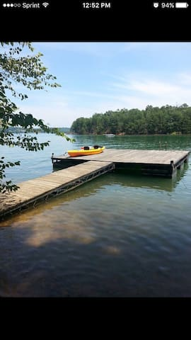 Cabin on Lake Blue Ridge - Morganton - Huis