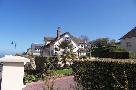 Villa à 30 m de la mer - Arromanches-les-Bains - Rumah