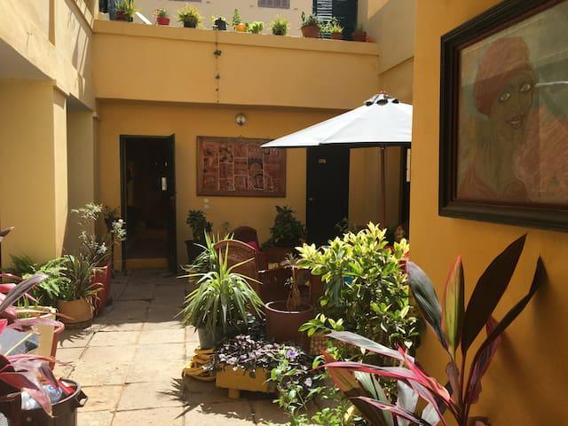 CHEZ ERIC Studio climatisé au coeur de Gorée