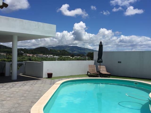 Guest house moderna para a sua família! - Ponta Delgada