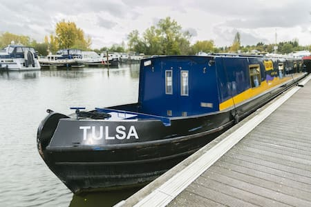 Tulsa - 2 Bedroom Narrow Boat - Chertsey - Boat
