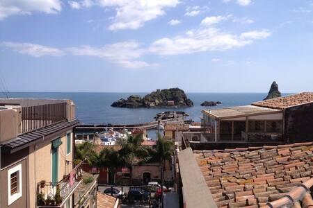 Cozy apartment with amazing sea view - Aci Castello