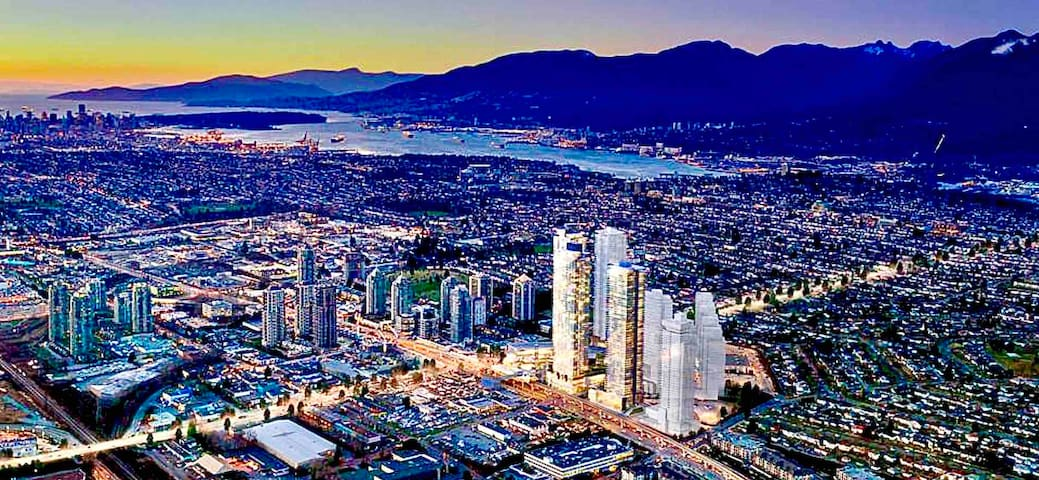 5 stars Living with Tallest Central Tower In B.C.