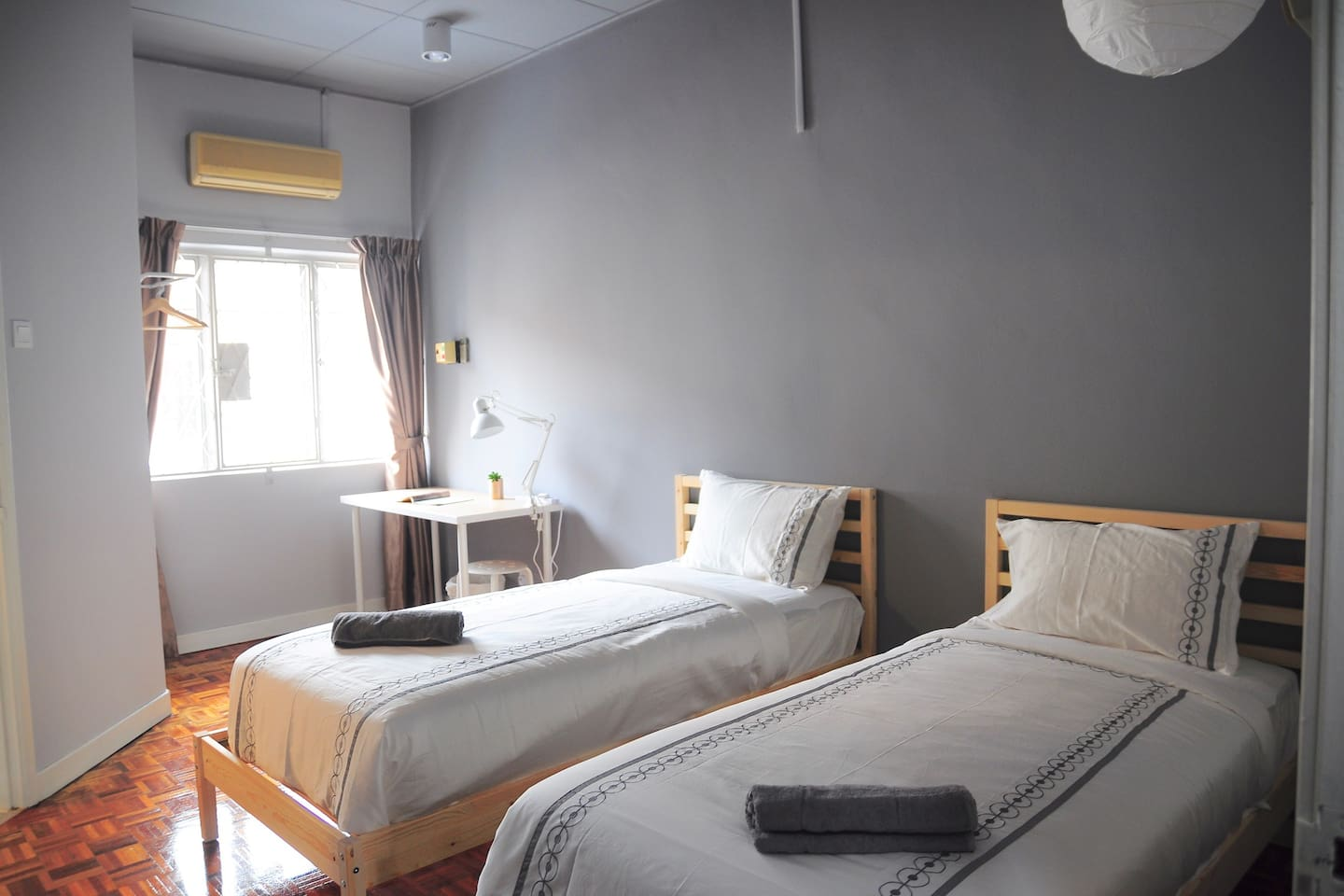 2nd Floor Standard Queen Room with 2 Single Beds, Smart TV with 100+ Channels and Shared Attached Bathroom