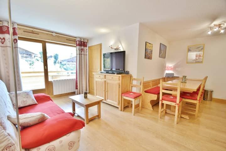 Appartement 6 personnes, 2 chambres avec coin montagne, face aux pistes, centre village!