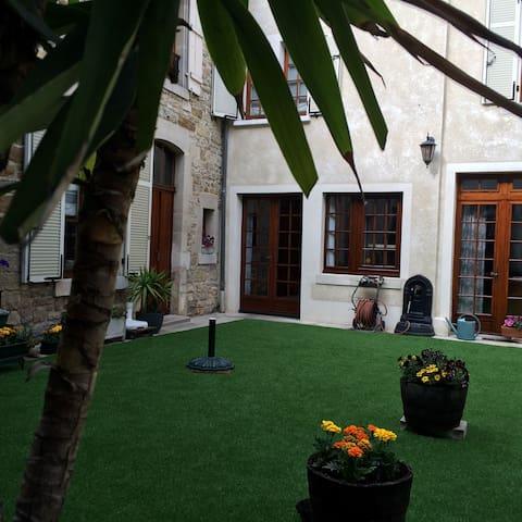 Bel appartement T3 meublé 100m² - Wassy - Pis