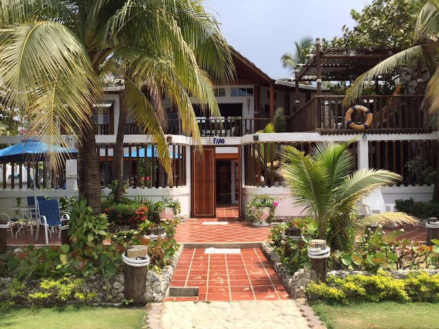 Beach House in Cartagena de Indias - La Boquilla - House
