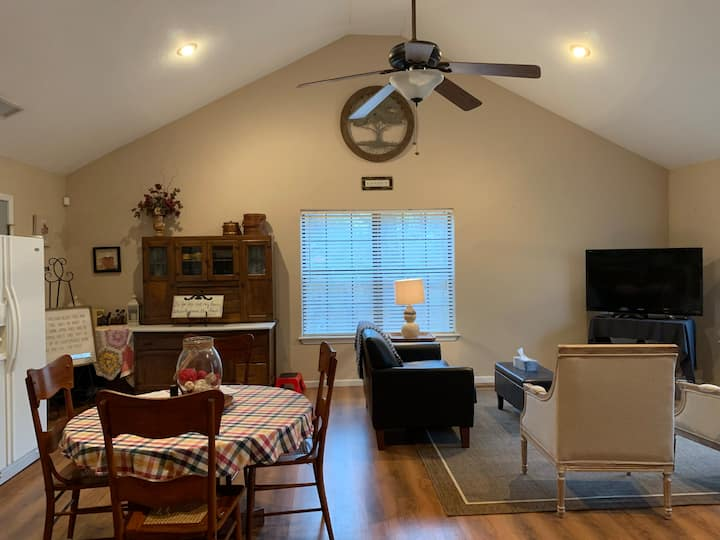 Cozy Guesthouse in Beebe