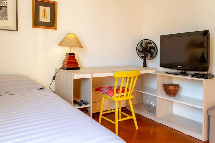 Alto de Pinheiros/USP - Quarto/Banheiro exclusivo