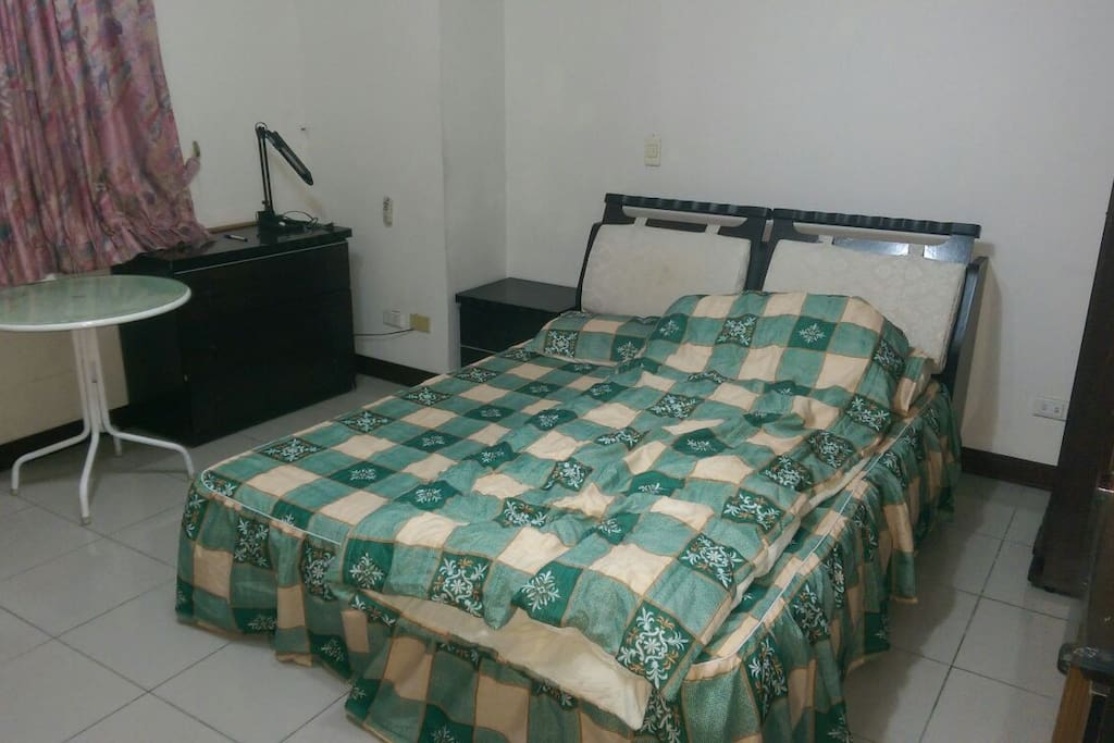 棉被、床單、枕套會更換,所以入住時不一定是照片這組。