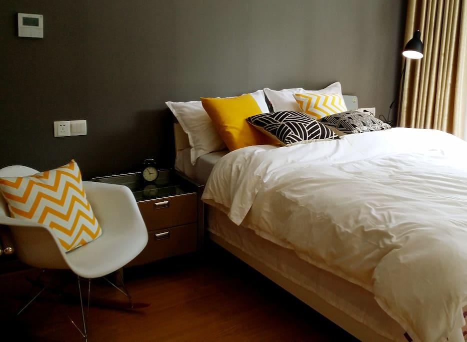 舒适柔软的大床