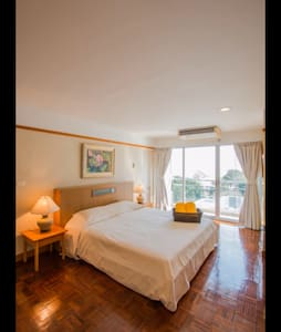 Beachfront Apartment - Tambon Cha-am