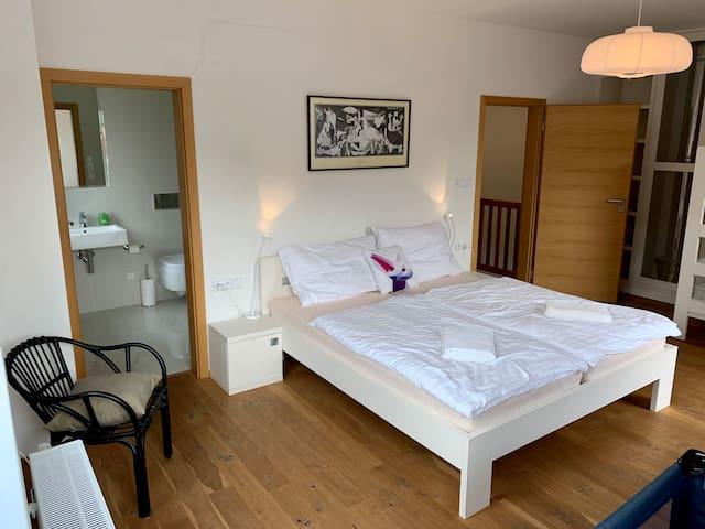 Světlý pokoj / White room