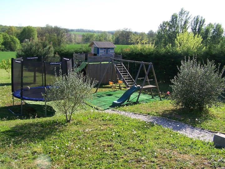 Maison familiale et tranquille à la campagne